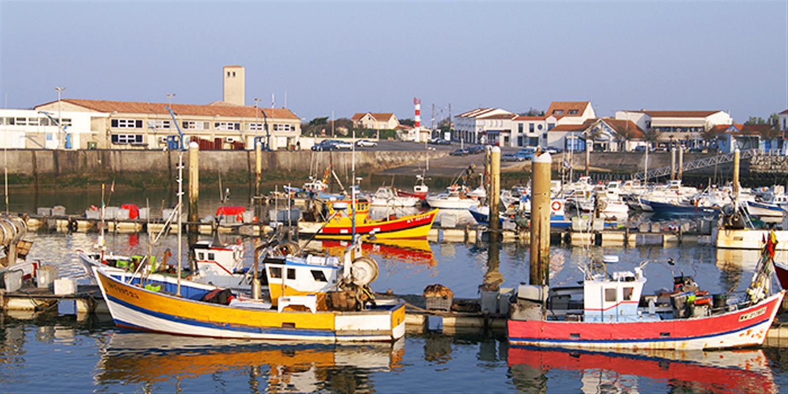 Le port de la cotini re tourisme charente maritime - Chambre d hote ile d oleron la cotiniere ...